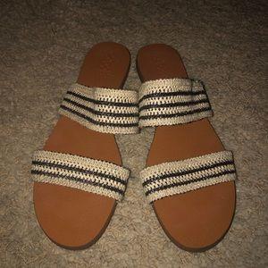 Vince Camuto size 9 sandals